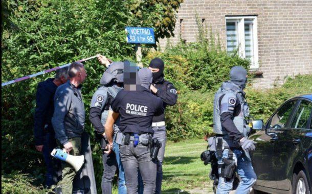 Arrestatieteam Arnhem pakt verwarde man op die dreigde familie wat aan te doen in woning.